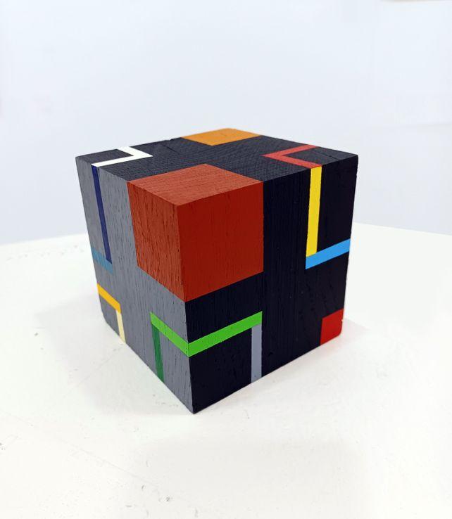 Cube e