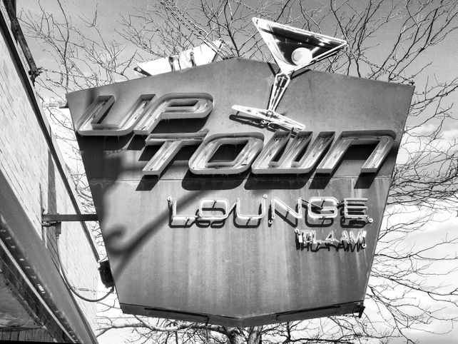 LATE NIGHT LOUNGE Uptown Lounge