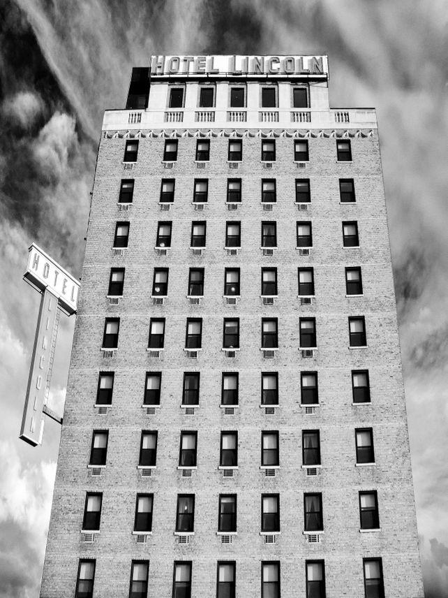 SAVING LINCOLN Hotel Lincoln