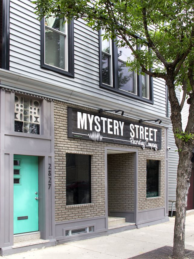 THE MYSTERIOUS DOOR Mystery Street
