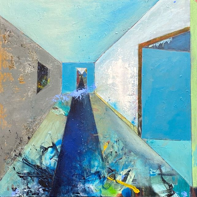 Rooms-The long and narrow path
